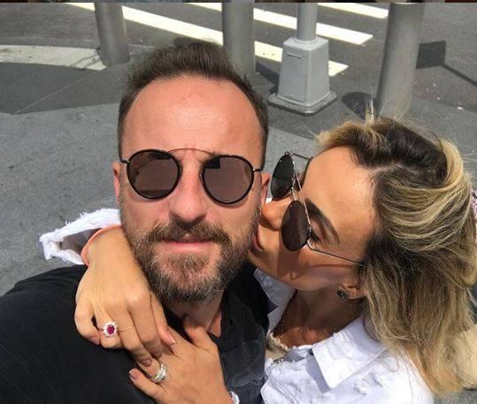 Francesco Facchinetti e la moglie si punzecchiano sui social. Le battute sono piuttosto hot