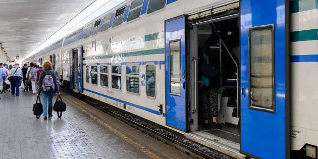Sul treno senza biglietti: nigeriani minacciano controllore e feriscono passeggero
