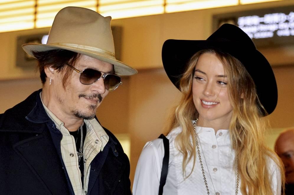 """Johnny Depp: """"Amber Heard ha usato lo smalto per farlo sembrare sangue"""""""