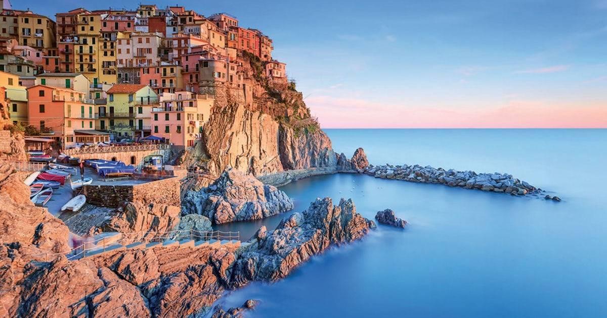 Stop a infradito nelle Cinque Terre: multe da 50 a 2500 euro
