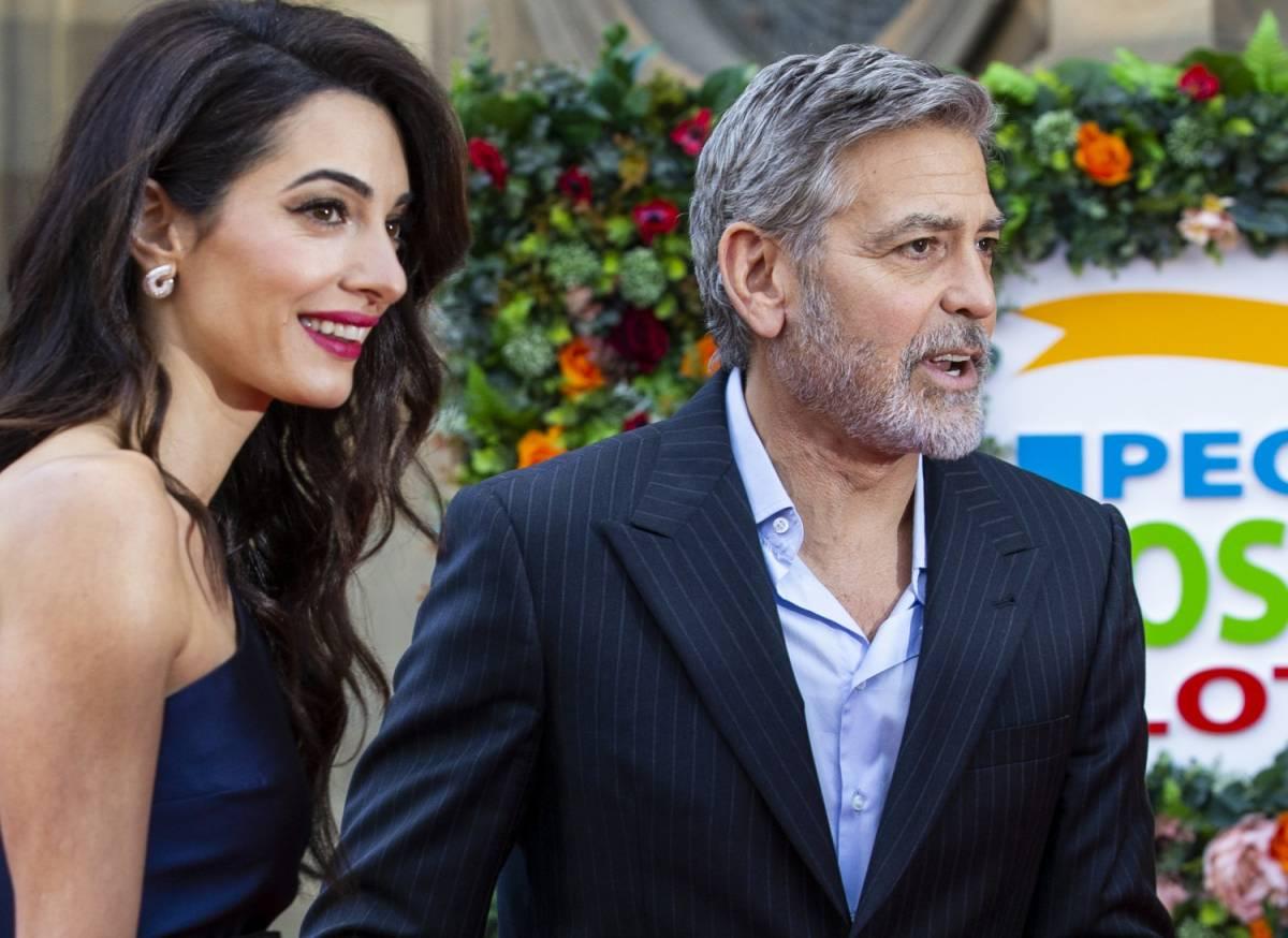 """George Clooney: """"Boicottiamo gli hotel del sultano del Brunei"""""""