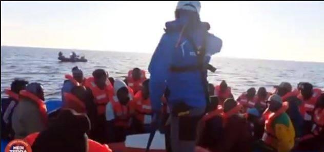 """La Guardia Costiera libica: """"Intervento pretestuoso della nave dell'Ong"""""""