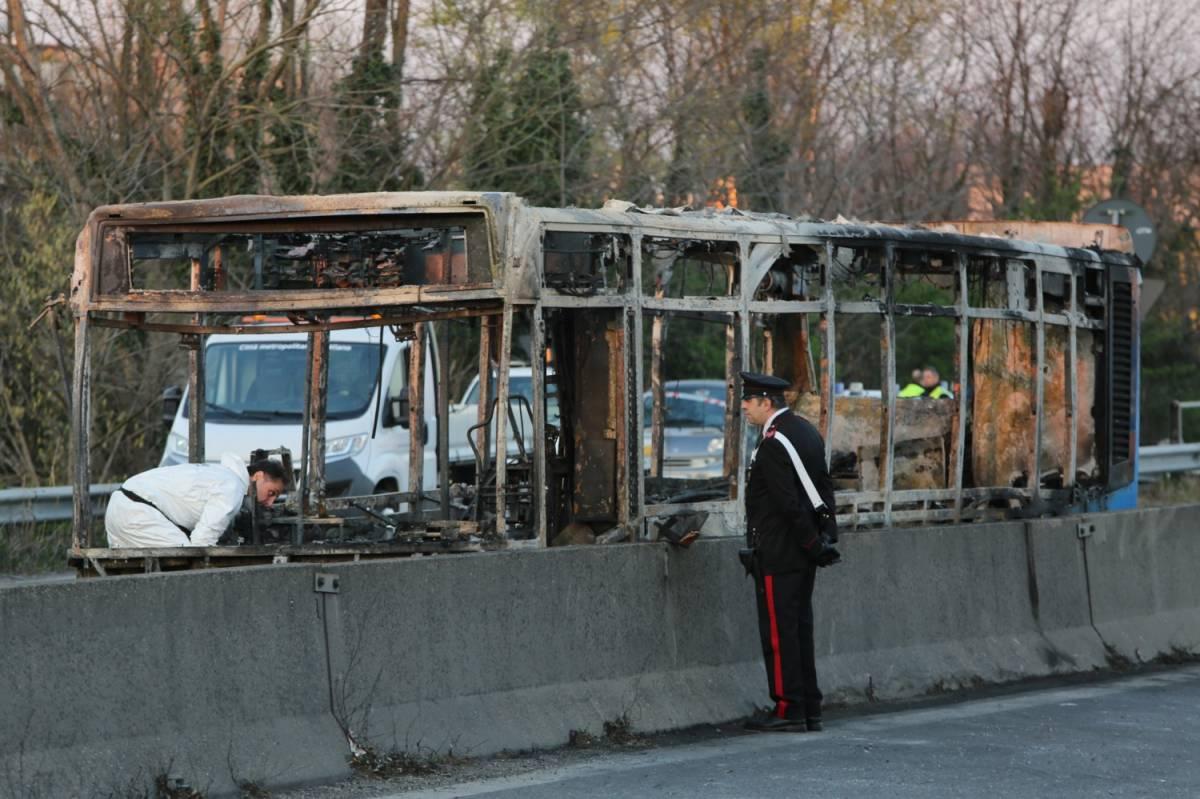 Il Pd strumentalizza l'attacco al bus. E torna alla carica sullo Ius soli