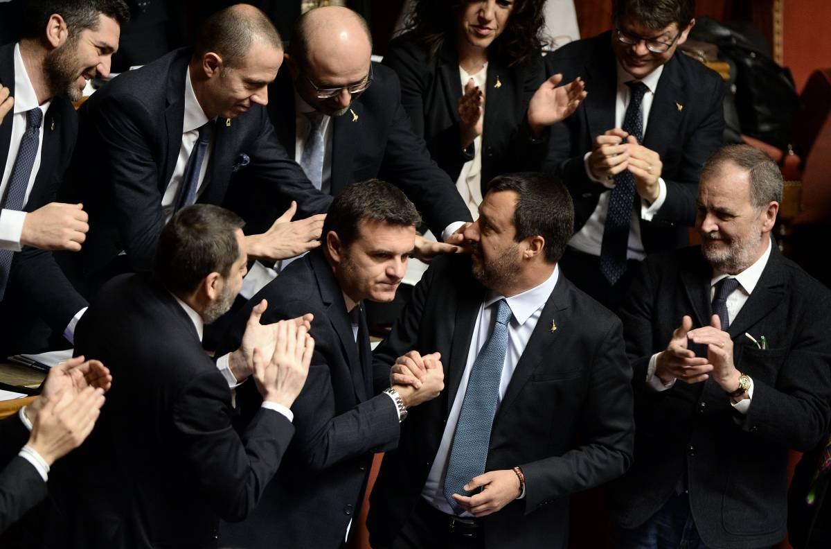 Diciotti, l'Aula salva Salvini (ma condanna i 5 Stelle)