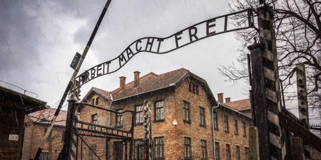 Pago io il biglietto per Auschwitz, ma...