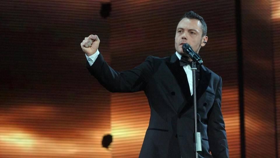 Tiziano Ferro a Sanremo, affiancherà Amadeus in tutte le serate