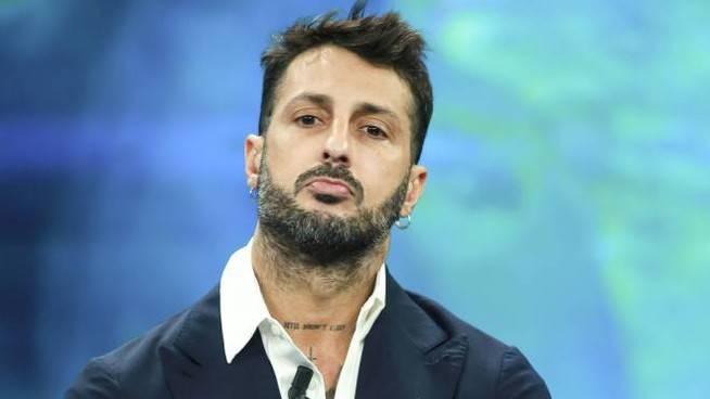"""Fabrizio Corona resta dietro le sbarre. I giudici: """"Il carcere è la soluzione adeguata per lui"""""""