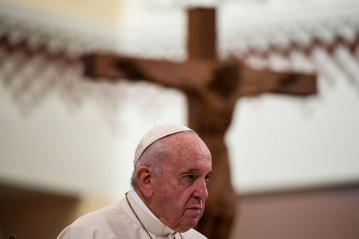 Il Papa, la condanna timida e il silenzio sui boia islamici