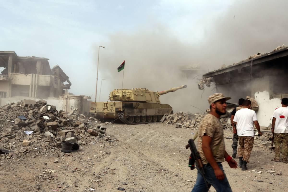 Libia, raid aerei incrociati tra le forze di Haftar e Sarraj