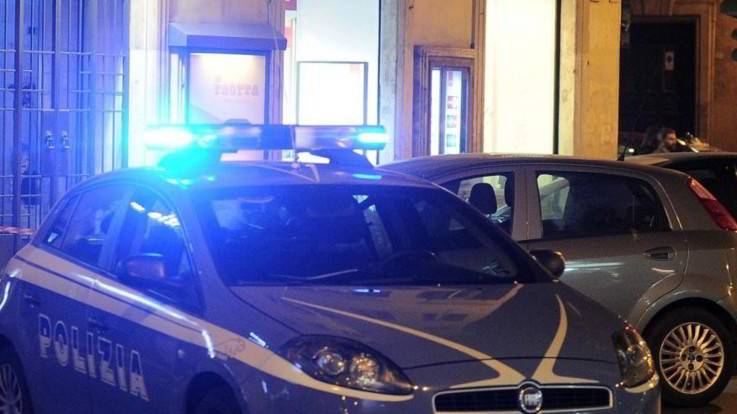 Terrore a Vicenza, vigili presi a morsi da nigeriano e accerchiati da decine di stranieri