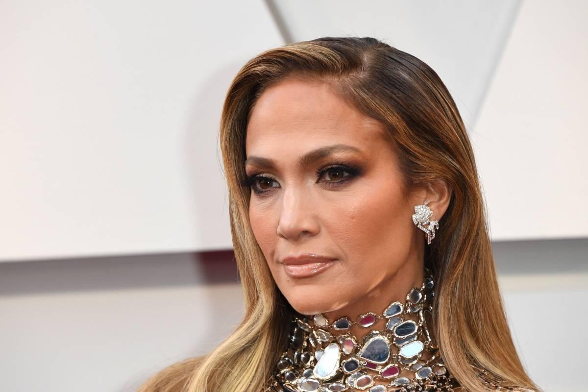 Jennifer Lopez in Hustlers, una spogliarellista che ruba a Wall Street
