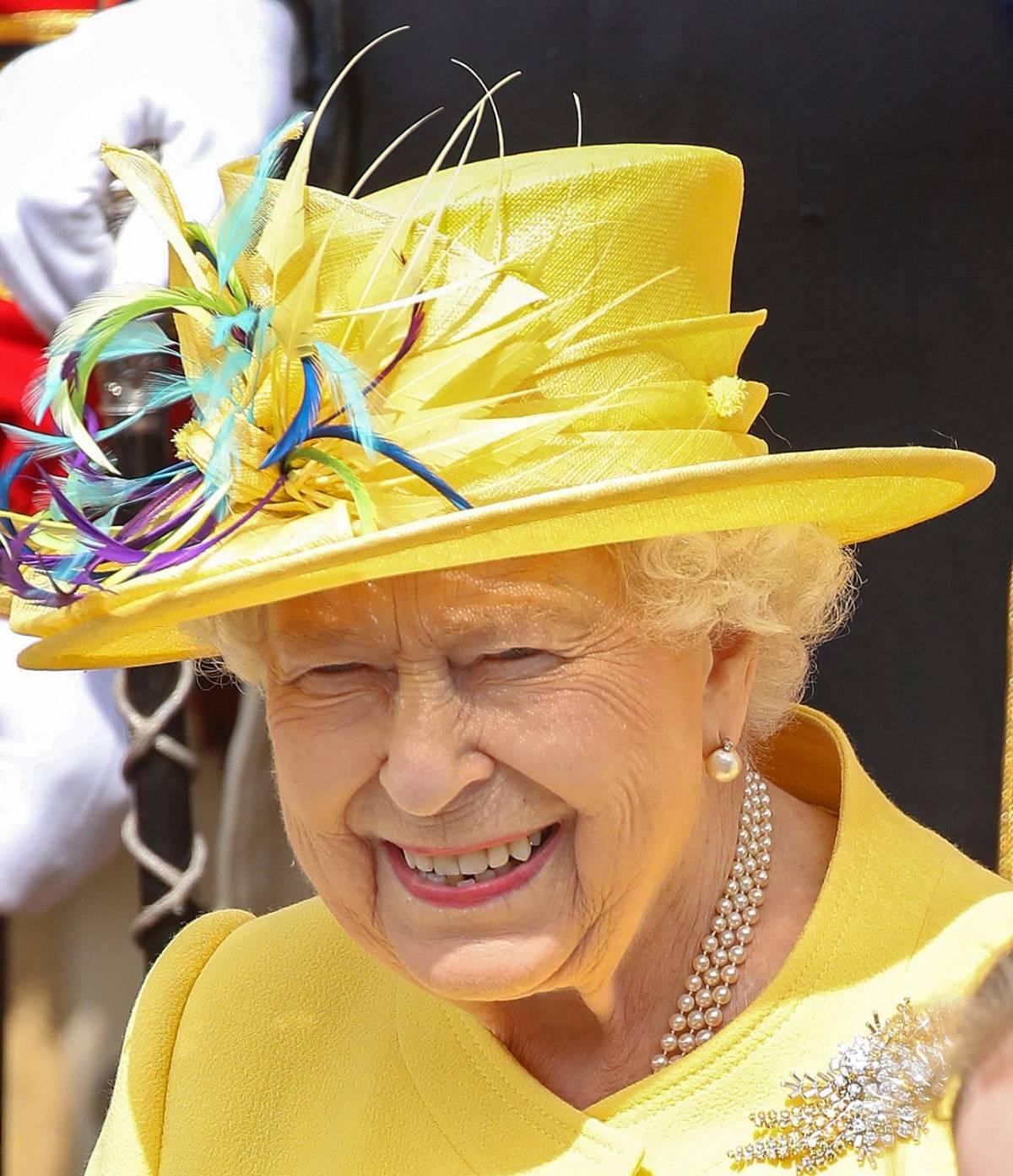 La regina Elisabetta cerca un giardiniere. La paga? È di 20mila euro
