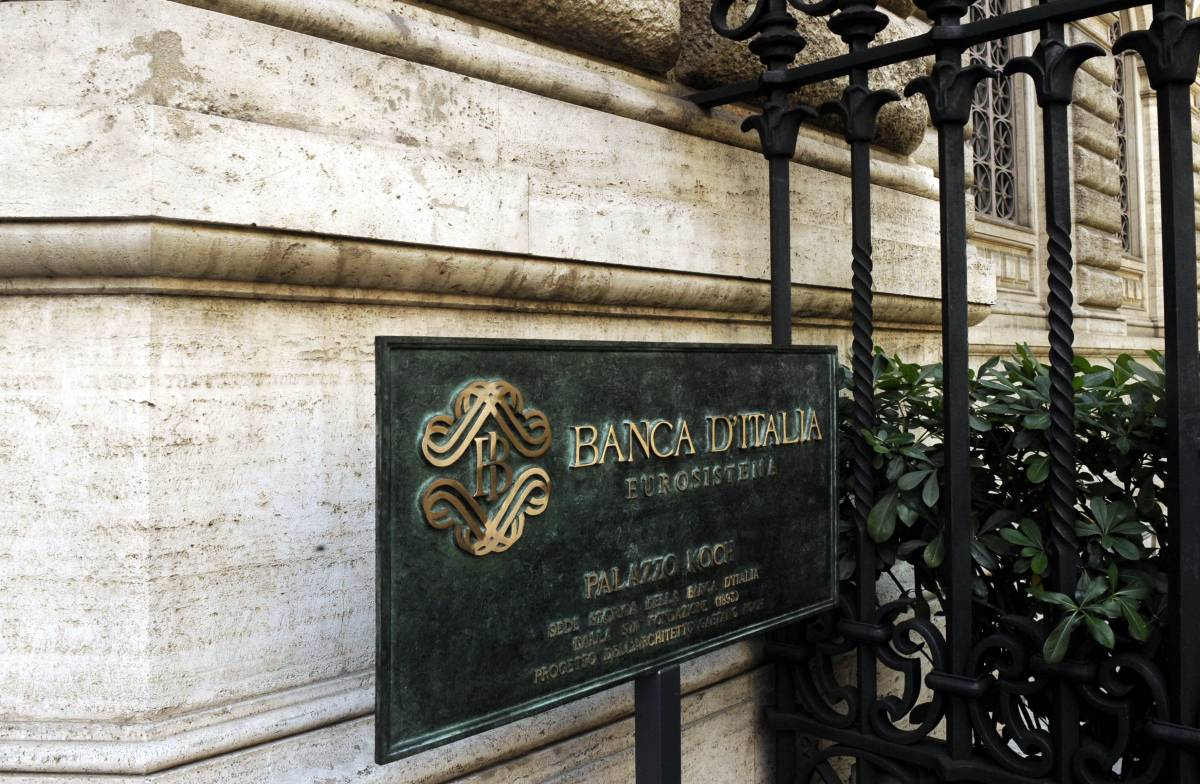 """L'Italia esce dalla recessione: """"L'economia torna a crescere"""""""