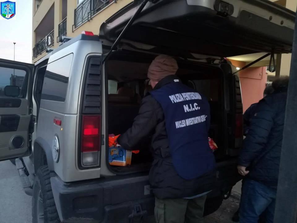 Catania, detenuto evade durante la sosta in autogrill. Preso e riportato in carcere