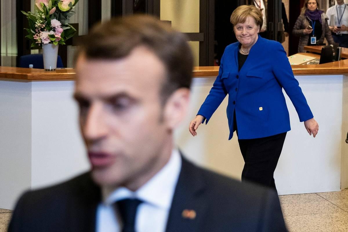 """Macron tenta il rilancio: """"Tagli drastici alle tasse"""". Ma Le Pen lo sorpassa"""