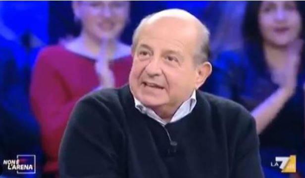 """""""Io non rispondo alle bestie..."""". Imbarazzo per Magalli in tv"""