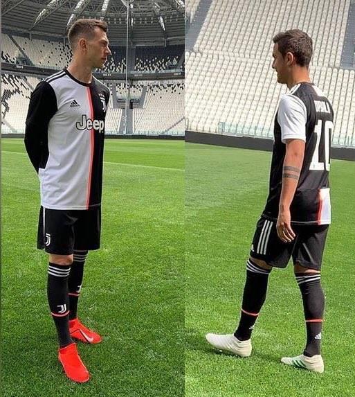 Juventus, ecco la nuova maglia 2019-2020: addio alle strisce bianconere