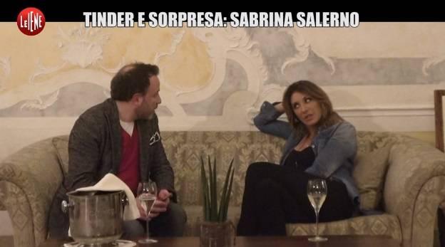 Sabrina Salerno a caccia di incontri con Le Iene