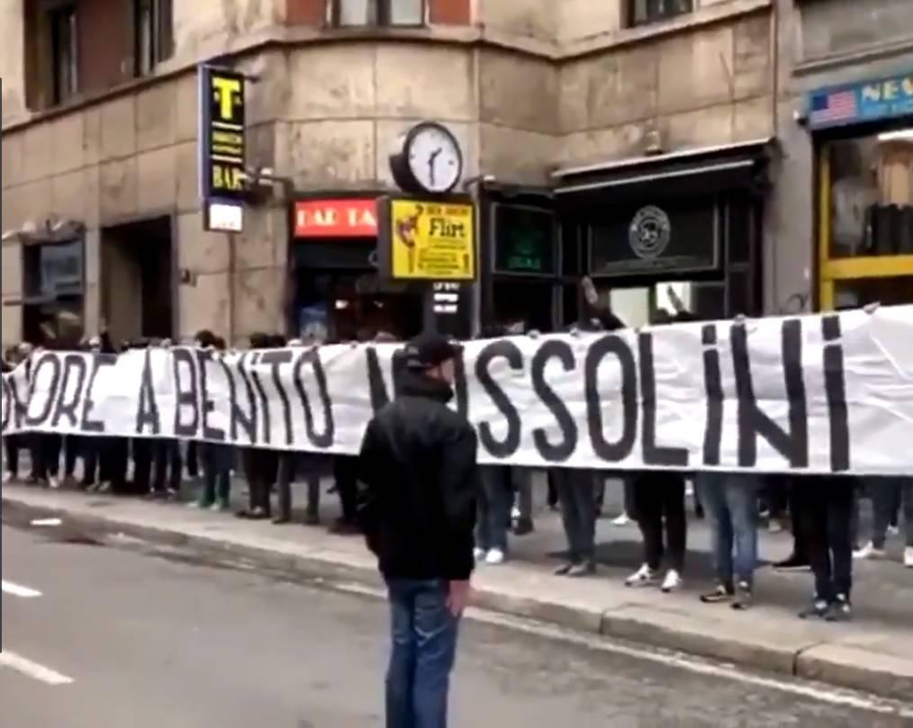 """""""Onore al Duce"""", choc a Milano per il blitz dei tifosi della Lazio"""