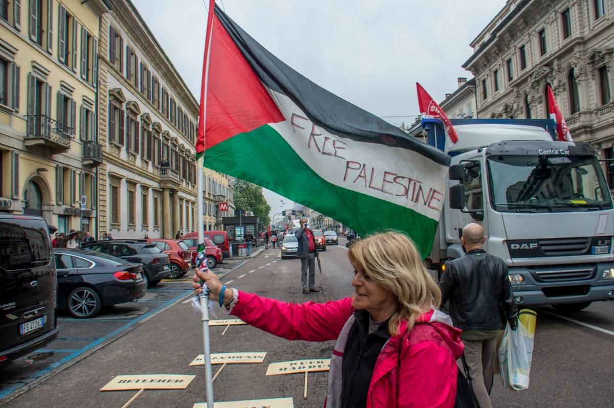 """25 aprile, a Milano insulti alla Brigata ebraica: """"Assassini e terroristi"""""""