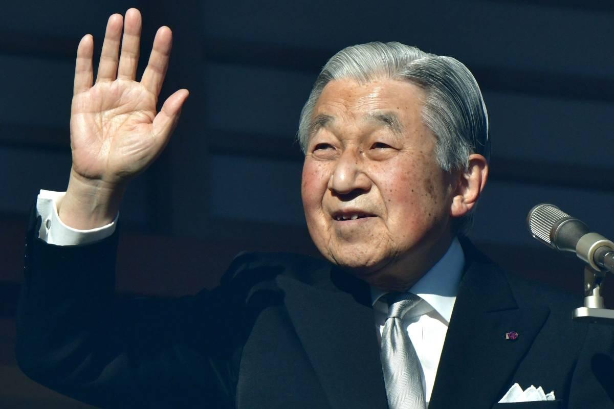L'ultimo giorno di Akihito Imperatore tra le calamità che ha unito il Giappone