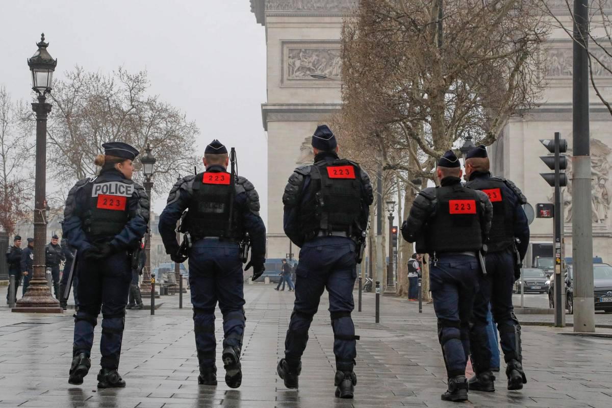 Francia, sventato un attacco contro le forze dell'ordine