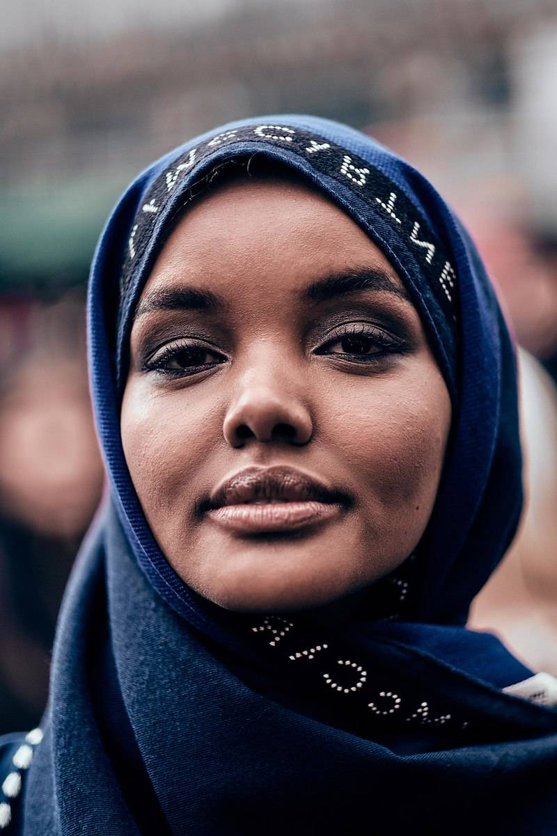 Usa, rivista dedica copertina a una modella in hijab. È polemica