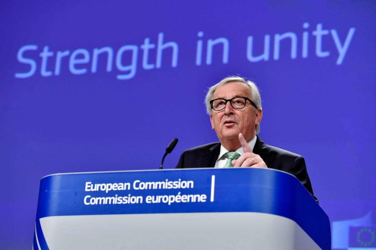 """Juncker ora minaccia l'Italia: """"Rischio procedura per anni"""""""