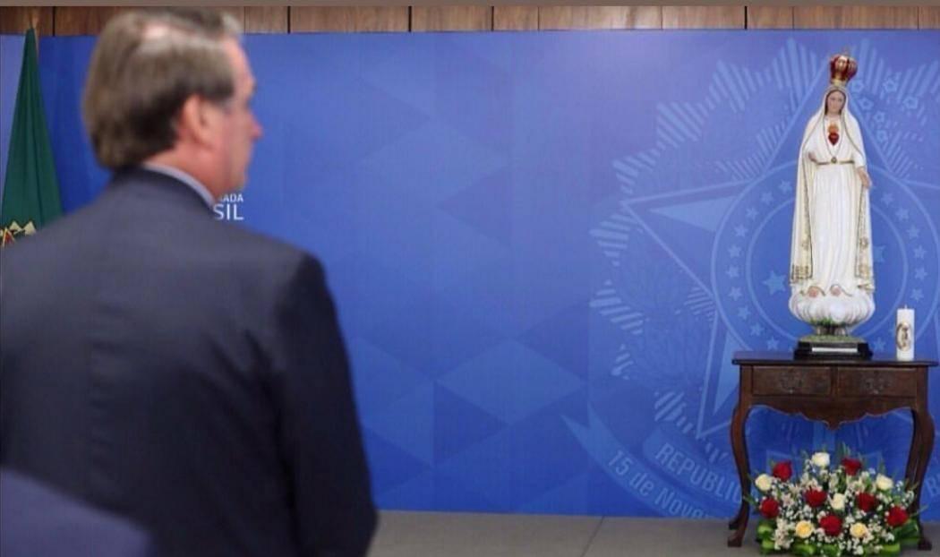 Bolsonaro consacra il Brasile al Cuore Immacolato di Maria