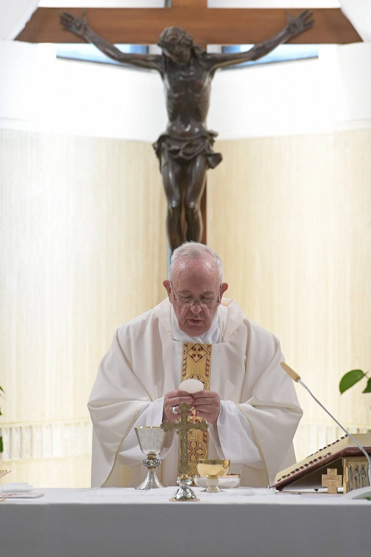 Così sono diminuiti i cattolici italiani durante l'era Bergoglio
