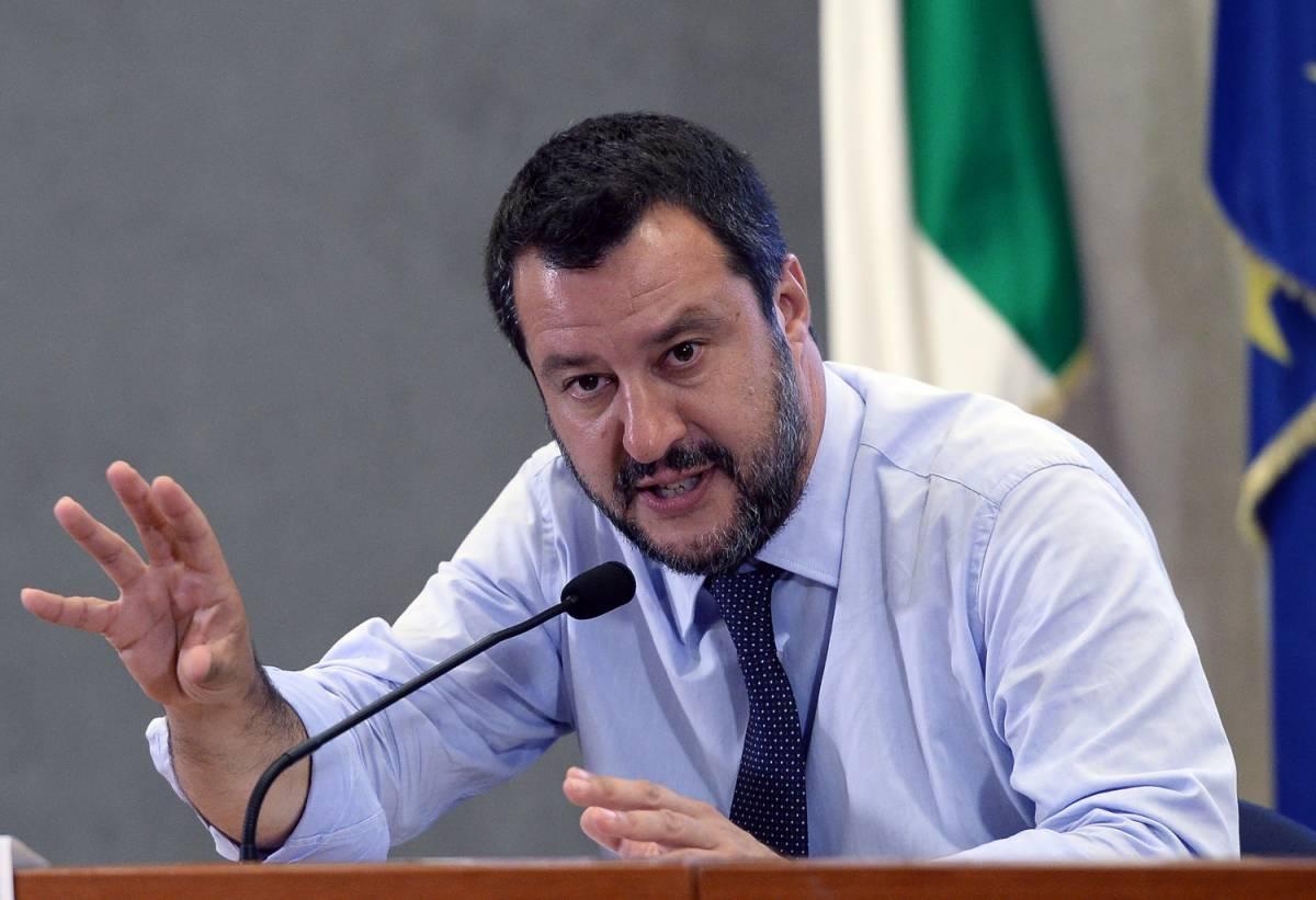 """Salvini lancia lo choc fiscale. Conte frena: """"Nessun progetto"""""""