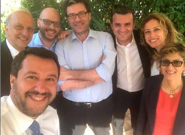 Tria archivia la flat tax: Salvini lascia il summit e ora medita sulla crisi
