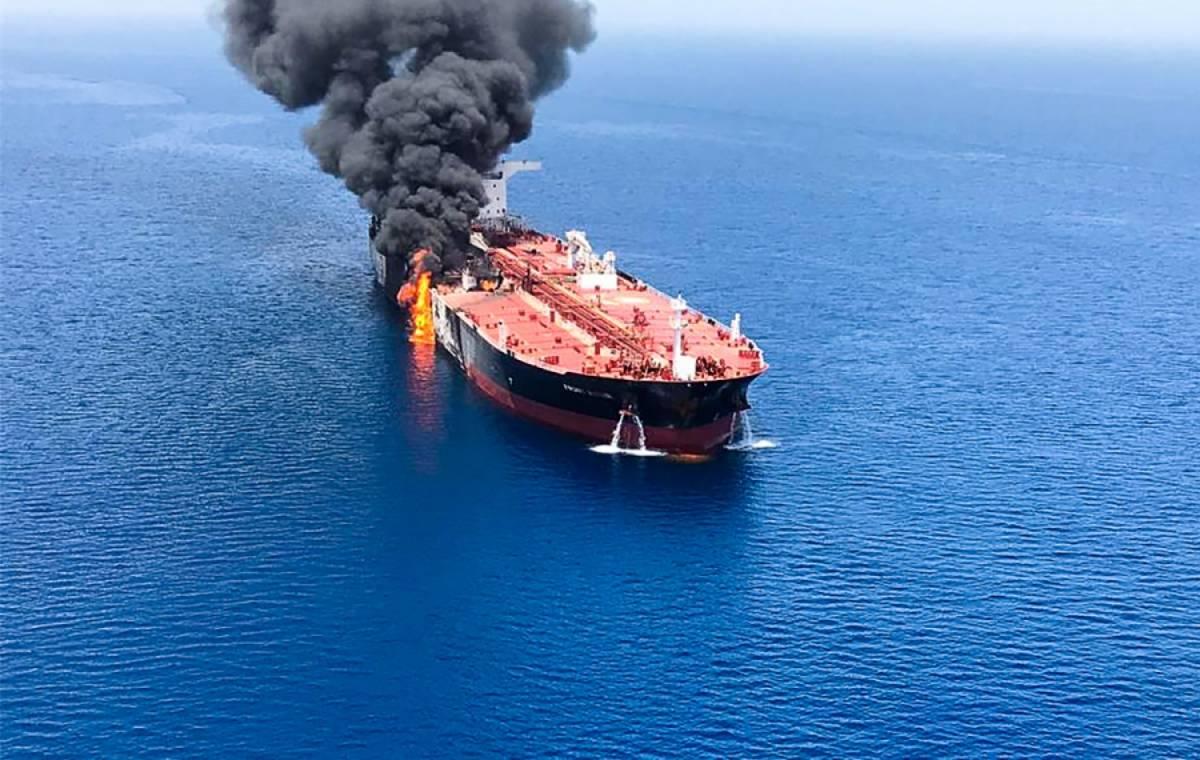Assalto alla petroliera: guerra sfiorata nel Golfo