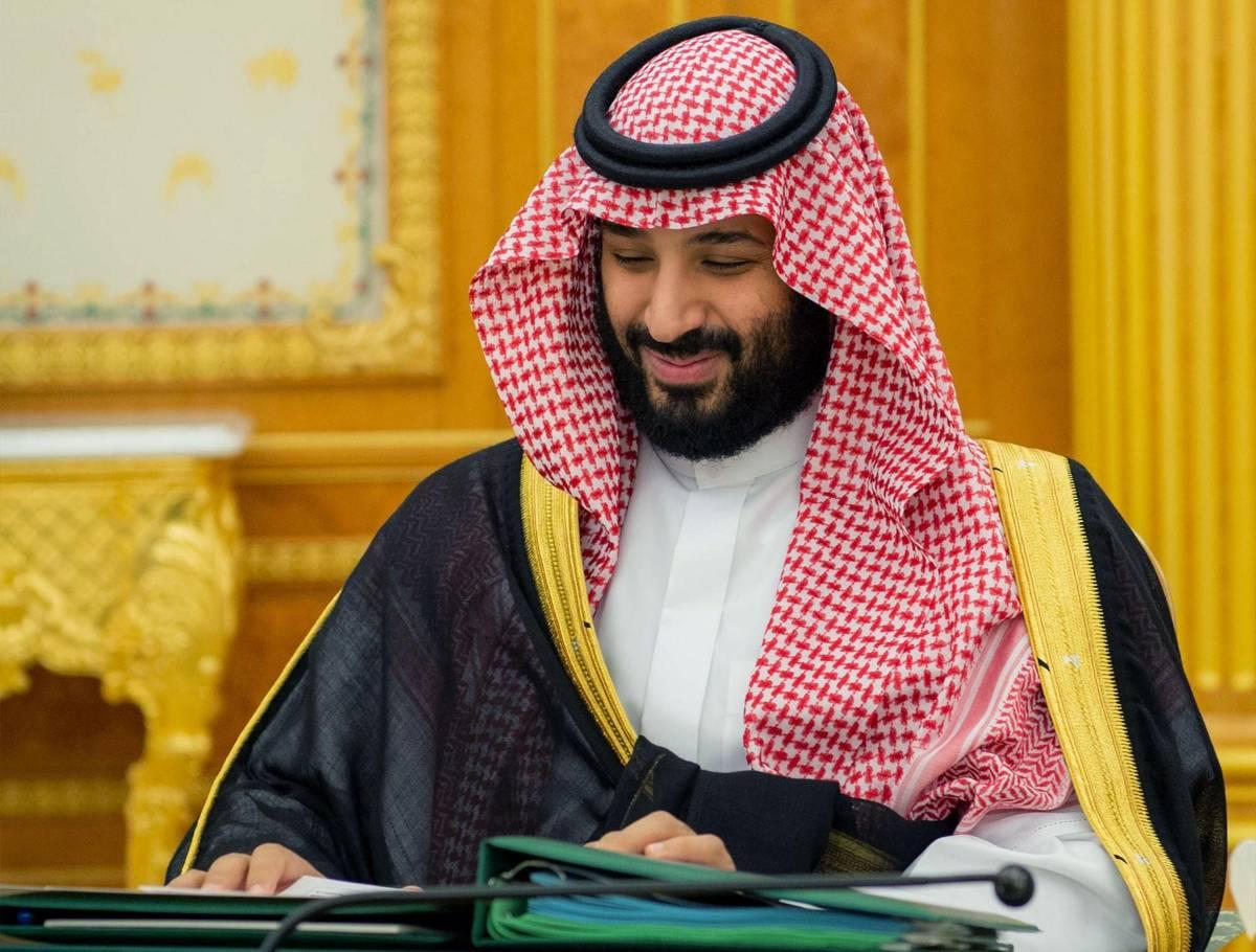 Idraulico sbaglia i lavori: viene picchiato e forzato a baciare i piedi della principessa saudita