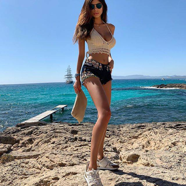 Thiabaut Courtois pizzicato in vacanza a Ibizia con Sara Soldati