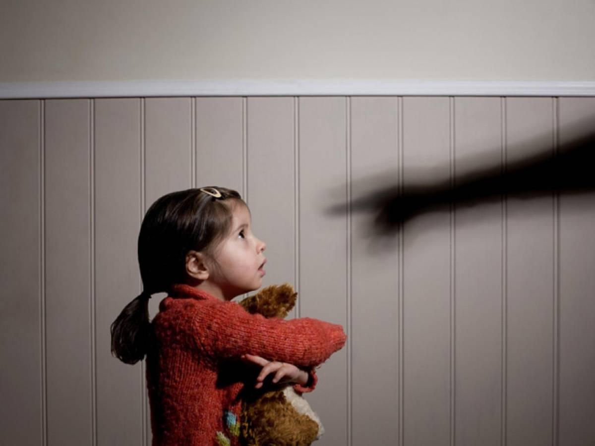 """Angeli e demoni, l'incubo di un padre: """"Mi hanno strappato mia figlia a quattro anni"""""""