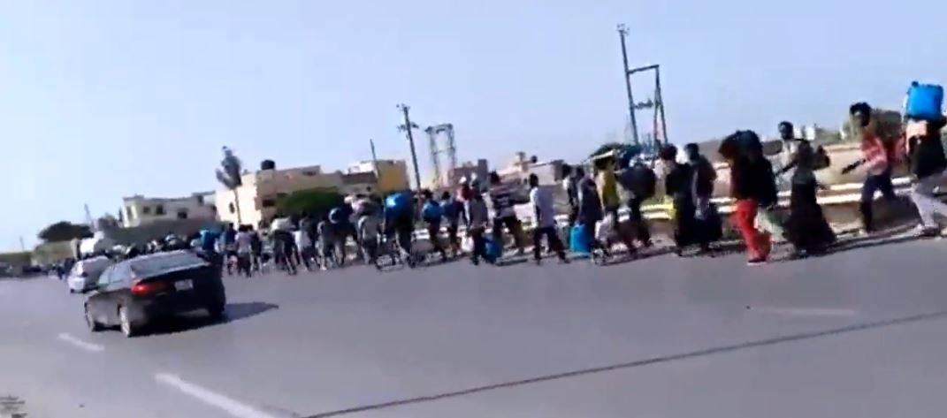 """La Libia ora libera i migranti Rischio """"esodo"""" verso l'Italia"""