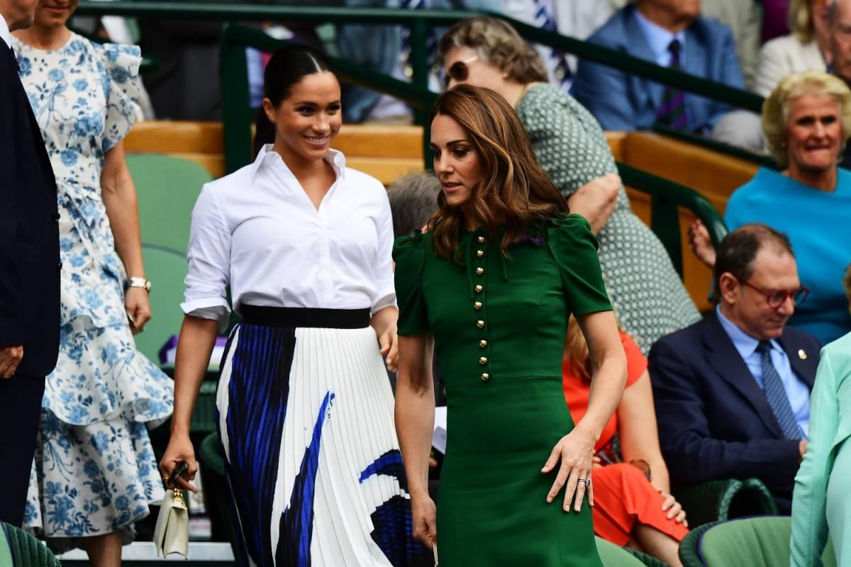 """""""Kate Middleton furiosa con Meghan"""". I collaboratori della regina rompono il silenzio"""
