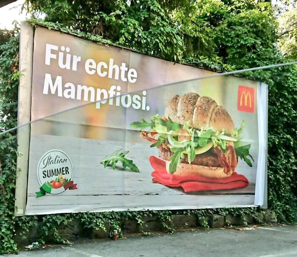 """""""Per veri mafiosi"""", il panino del McDonald's scatena la polemica"""