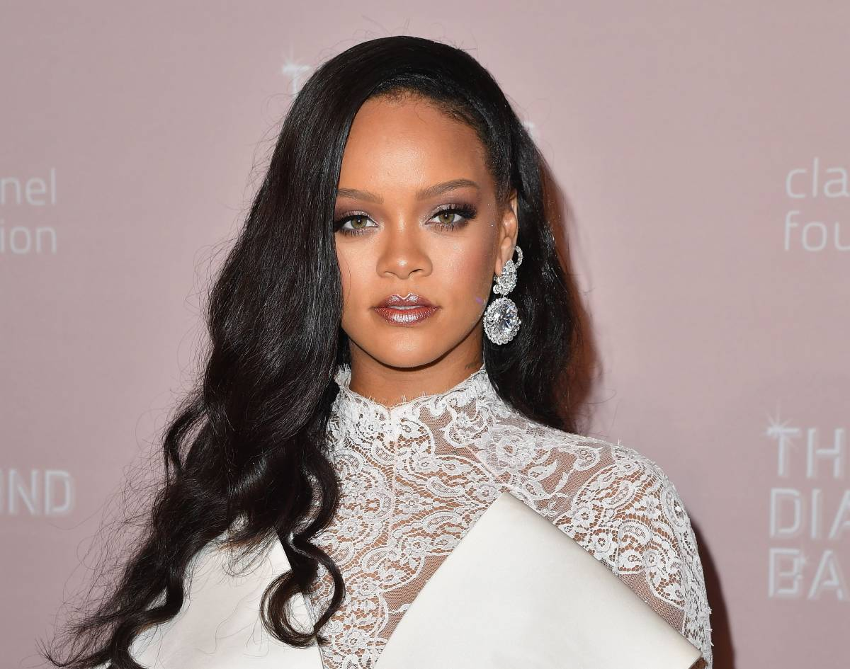"""Rihanna manda in tilt il web con una foto: """"Questa bambina è il tuo clone"""""""