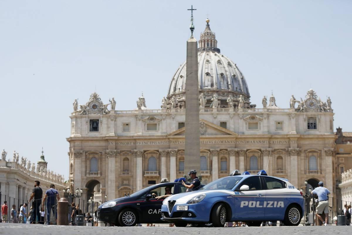 Vaticano, acquisiti documenti e apparati elettronici