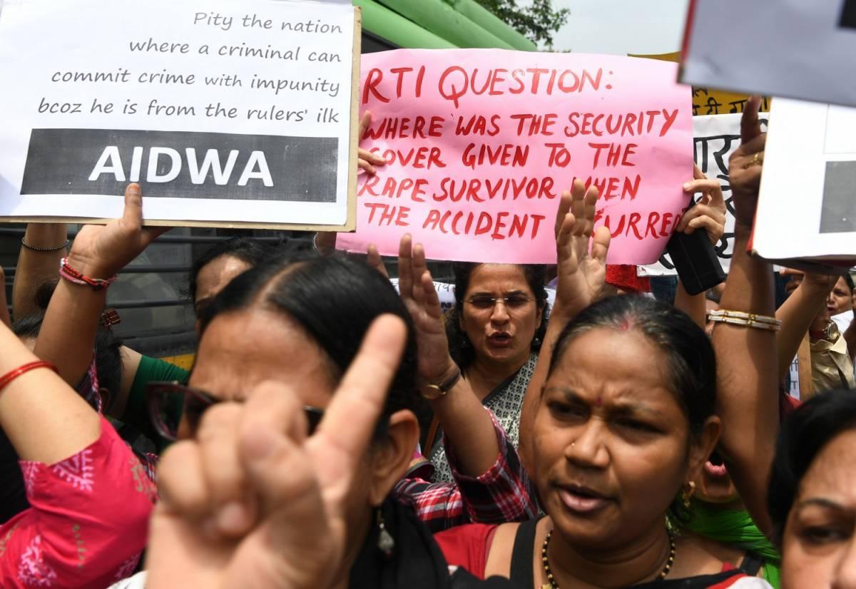 L'India mette fuorilegge il divorzio istantaneo