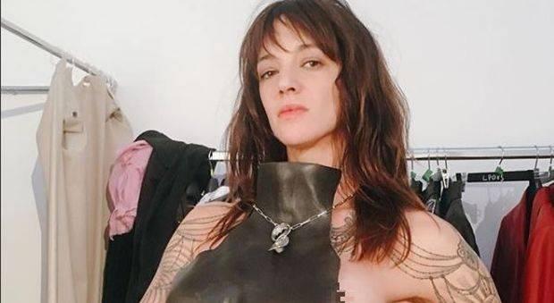 Asia Argento riappare sui social con Yari Carrisi