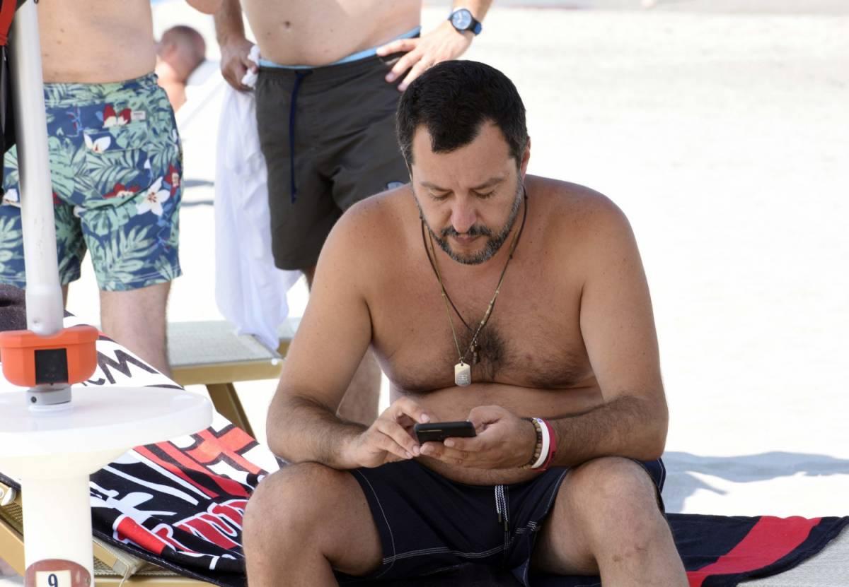 """Salvini (col Viminale) si sposta a Milano Marittima: """"Con Bruxelles trattiamo da qui"""""""