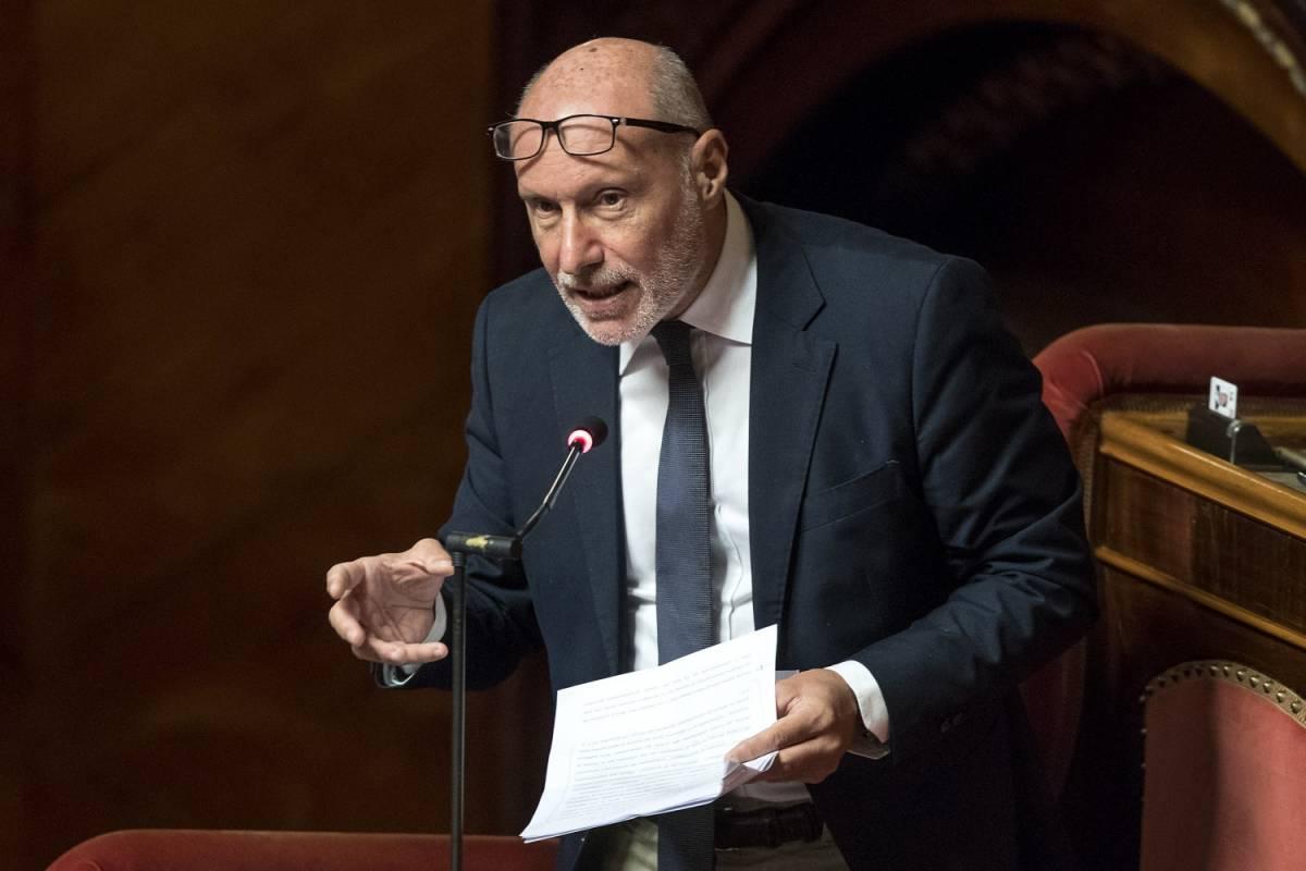 """Ocean Viking, De Falco esulta e attacca: """"Salvini è solo fuffa"""""""