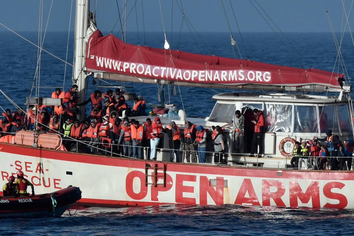 "Open Arms verso Lampedusa Salvini: ""Difenderò i confini"""
