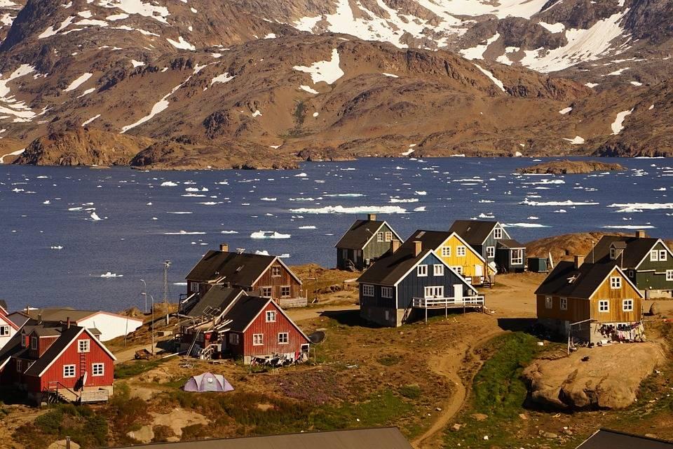 Trump vuole comprare l'isola della Groenlandia. Ma l'isola non ci sta