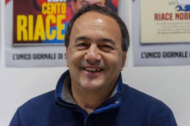 """""""Documenti falsi agli immigrati"""": nuova tegola per Mimmo Lucano"""
