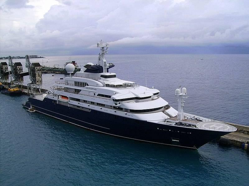 In vendita il mega yacht di Paul Allen. Il prezzo? 326 milioni di dollari
