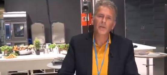 """La proposta choc del professore svedese: """"Consumare carne umana limita gli effetti del riscaldamento globale"""""""